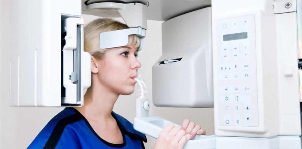 panoramic X-ray machine